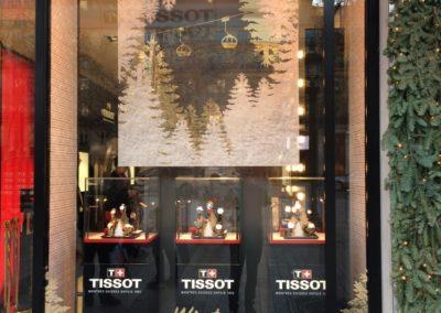 Decor vitrine Noel luxe Champs Elysees Paris